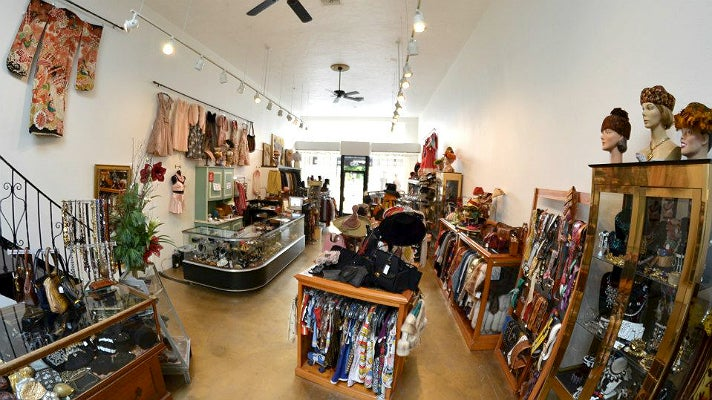 Golyester vintage store